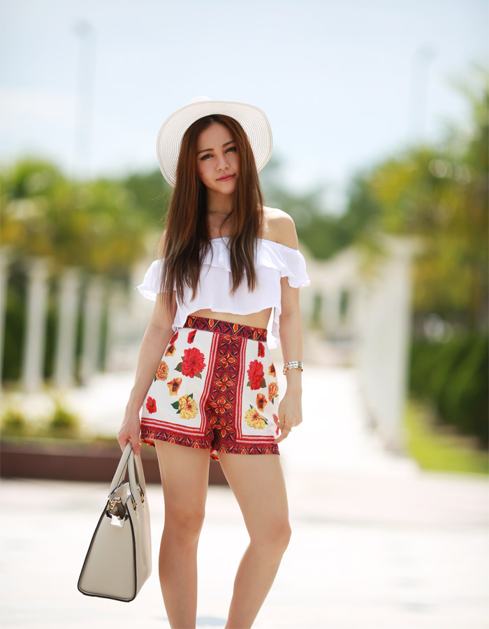 White_summer_chloeting_02