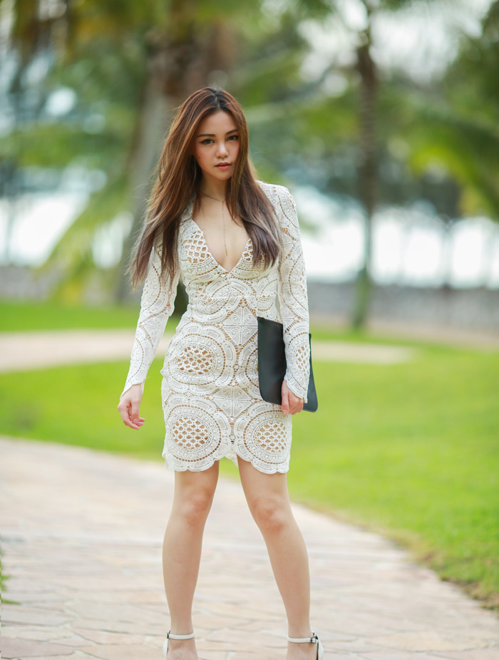 Lace Plunge - Chloe Ting - Melbourne Fashion Blogger